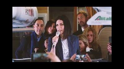 """Con un volo diretto Alitalia da Milano a Roma Laura Pausini presenta alla stampa l album """"Fatti Sentire"""""""